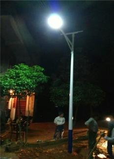新农村太阳能路灯安装案例