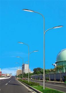 飞利祥照明30w40w50w60w80w100wLED路灯6米7米8米10米路灯杆厂家